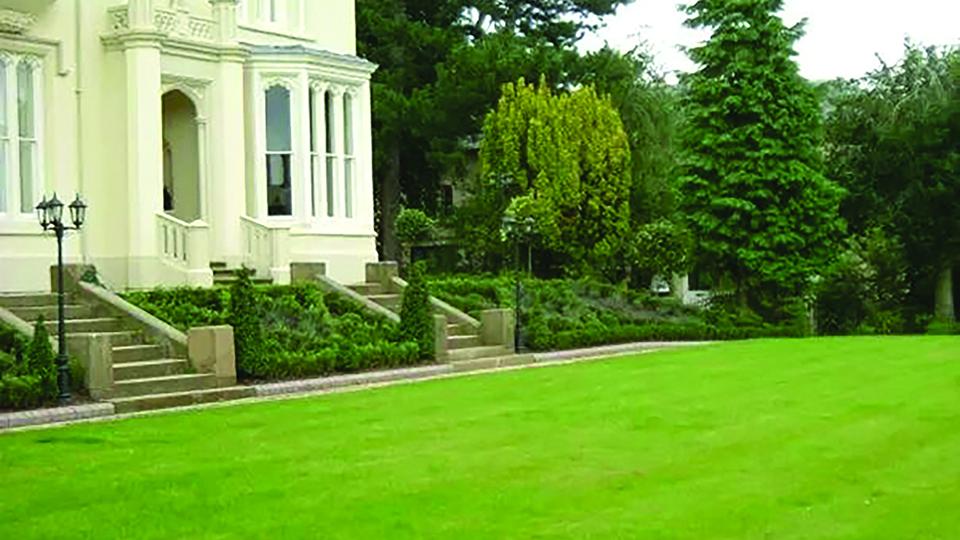 Formal lawn